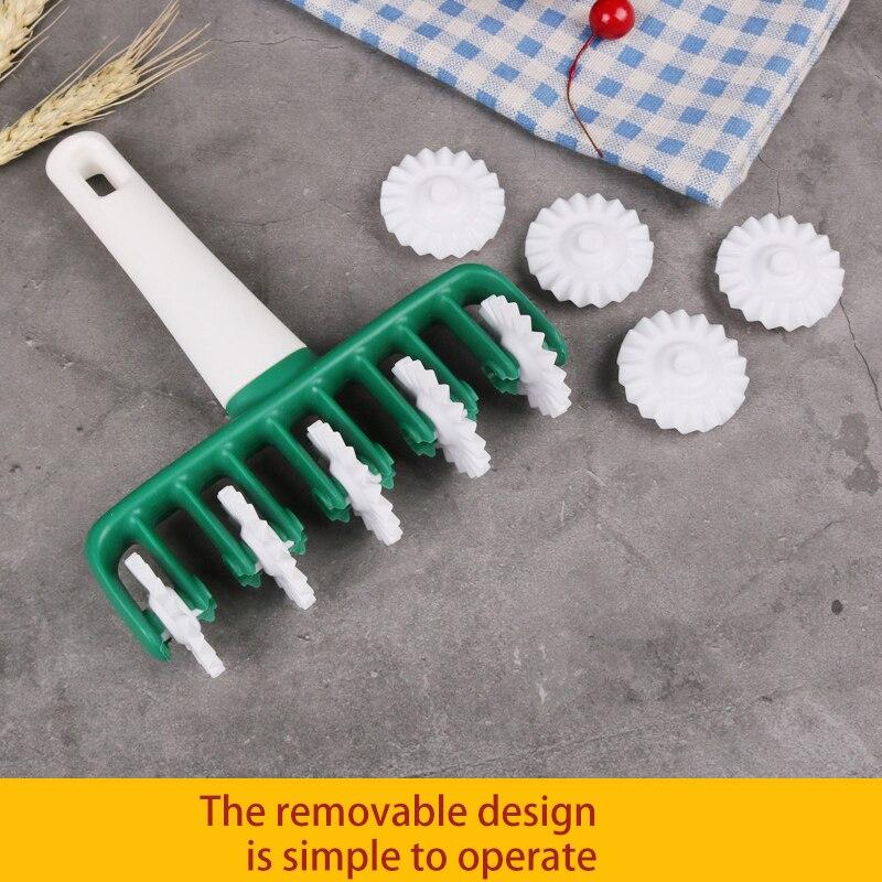1Pcs Noodles Cutter Multi function Roller Dockers Dough Cutter Plastic Noodle Knife Pasta Instant Noodles Maker Kitchen Tools