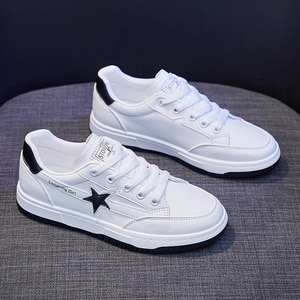 New Spring Women Casual Shoes Leather Star Fashion Comfortable Girl Lace-up Thick-soled Leisure Flat Shoes Sneakers