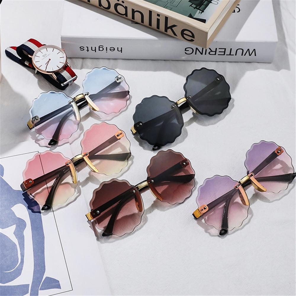 1pc Kid's Gradient Sunglasses Cute Boy Girls Anti-uv Love Heart Sunglasses Outdoor Beach Photography