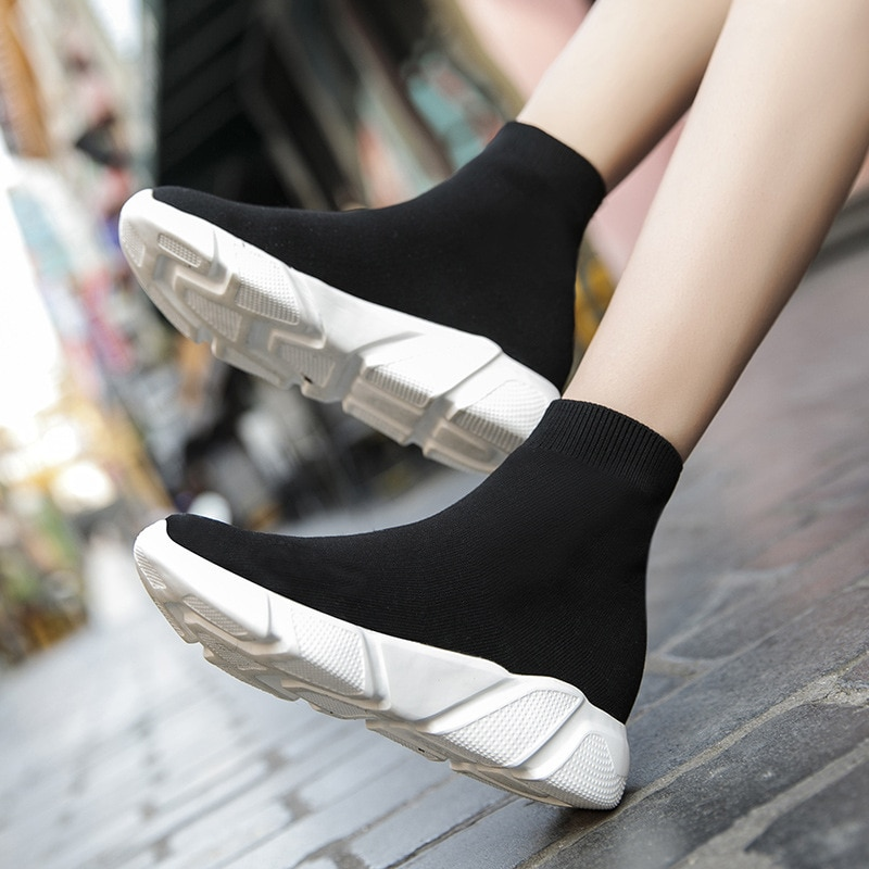 Brand Unisex Socks Shoes Breathable High-top Women Shoes Flats Fashion Sneakers Stretch Fabric Casua