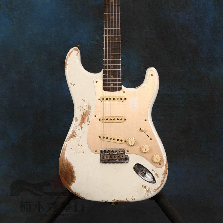 Electric Guitar,rosewood fingerboard.High quality pickups gitaar.relics by hands.handmade 6 stings white color guitarra.
