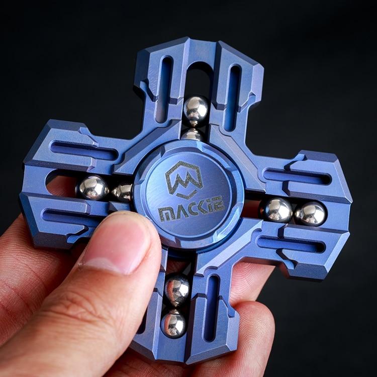 Mackie Titanium Four-leaf Fingertip Gyro EDC Rotation Between Fingers