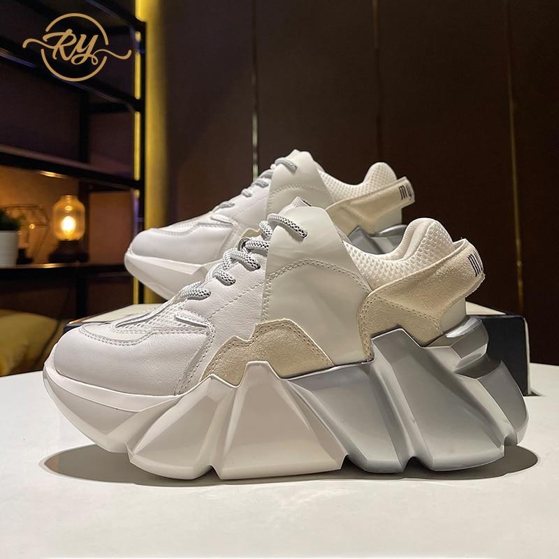 RY-RELAA الأحذية النسائية الأوروبية جلد طبيعي أحذية منصة 2021 موضة جديدة أحذية للنساء أحذية رياضية ins قبالة حذاء أبيض المد
