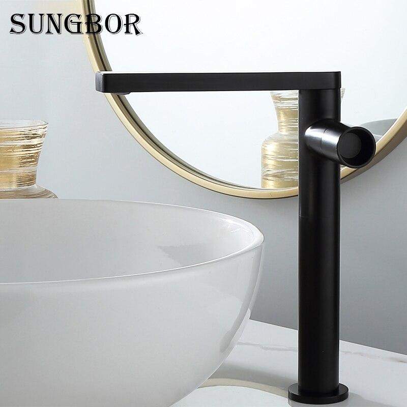 حنفية فاخرة من النحاس المطلي بالذهب المصقول ، على الطراز الاسكندنافي ، لحوض الحمام ، مع صنبور دوار أسود