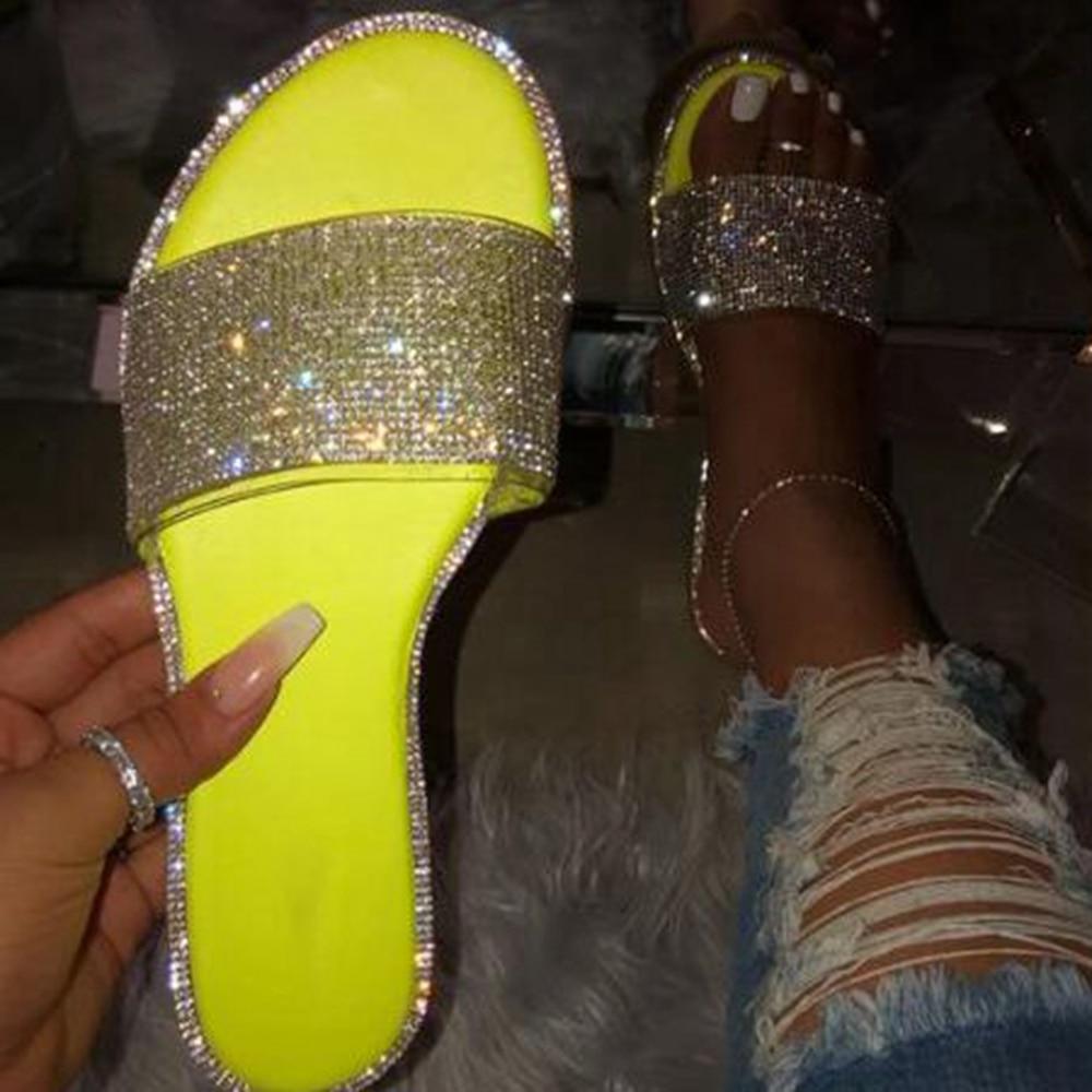 Dihope New Woman Flat Slippers Diamond Decoration Beach Shoes 2020 Summer Wild Shoes Ladies Slides Rhinestone Glitter Slippers