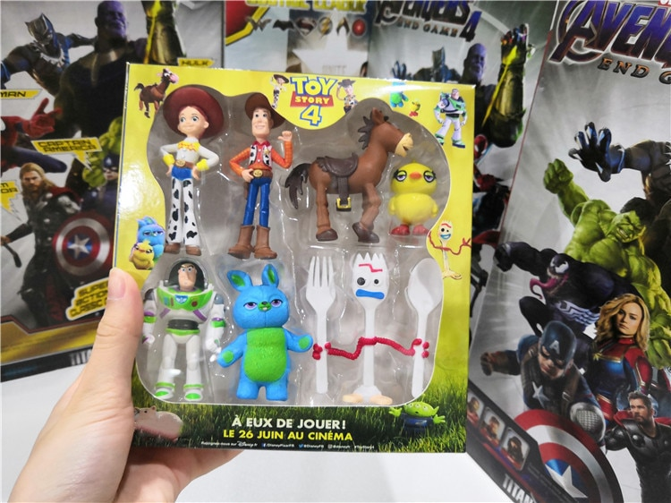 7 teile/satz Geschichte 4 Buzz Lightyear Woody Jessie Forky Bunny Ducky Duke Figur box Spielzeug