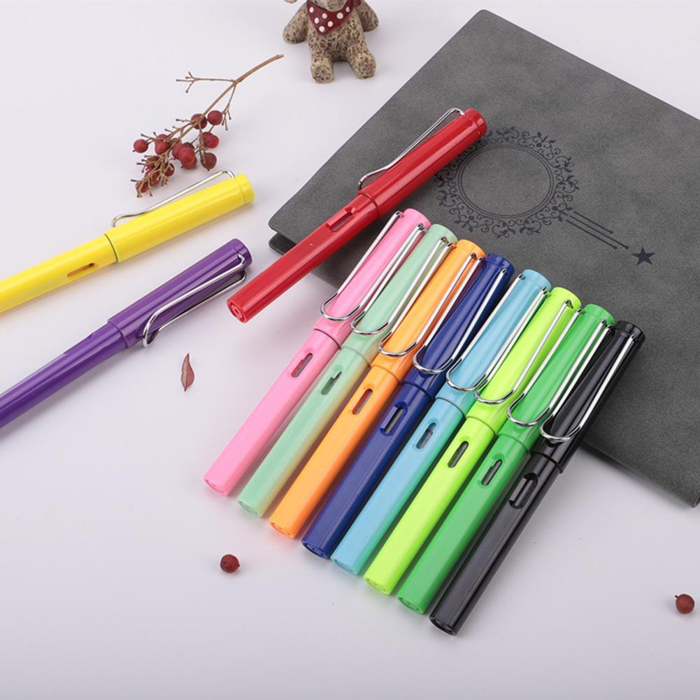 Pluma estilográfica de plástico de escritura suave para práctica de caligrafía estudiantil de 0,38mm pluma estilográfica nueva para oficina escolar el mejor gi