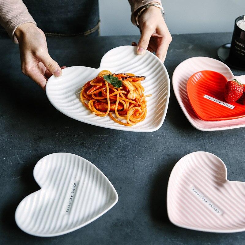 الشمال الحلو الحب لوحة الإبداعية على شكل قلب السيراميك الإفطار الحلوى طبق الغربية صينية طعام YHJ022703