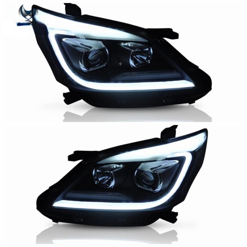 الشركة المصنعة للسيارات اكسسوارات السيارات للضوء الرأس لمصباح LED إنوفا 2012 2013 2014 2015 مع إشارة بدوره تتحرك