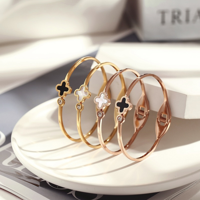 2021 fashion new bracelet four-leaf clover rose gold titanium steel female personality stainless