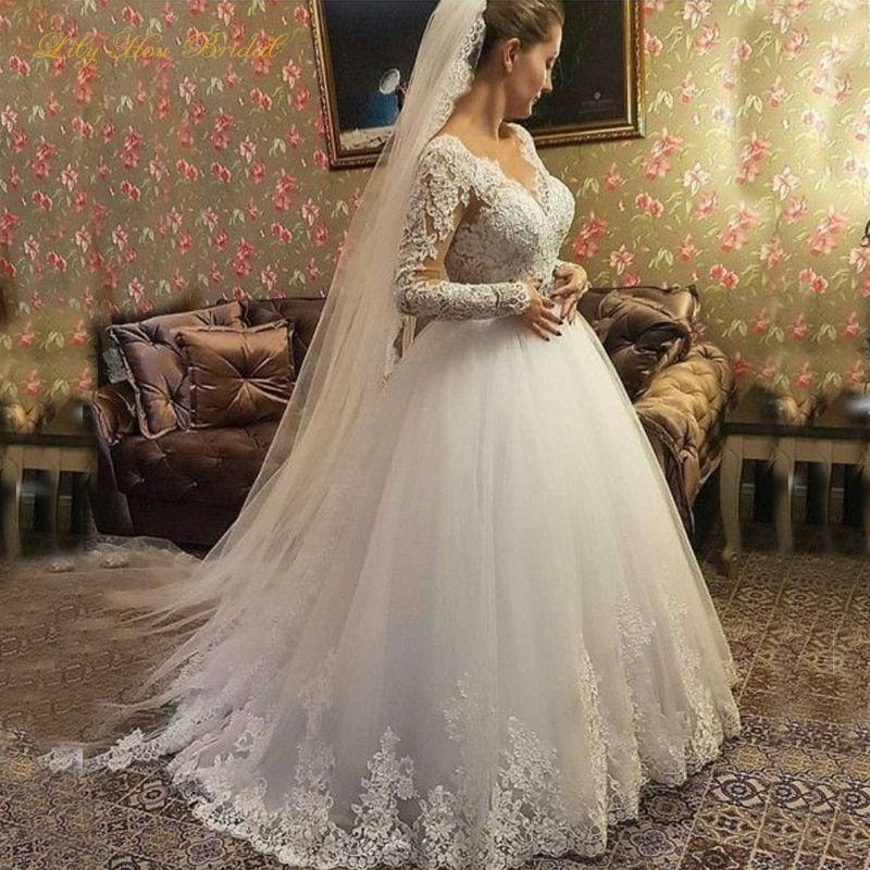 2020 elegant a line wedding dresses illusion v neck appliques sweep train bridal gowns with beaded sash custom made Classic Long Sleeve A Line Wedding Dresses V Neck Lace Appliques Tulle Bridal Gowns with Beaded Belt