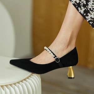 2020 New Style Black Pointed Toe Low-Heeled Shoes V-Shaped Heel Thin Heeled High Heels for Women