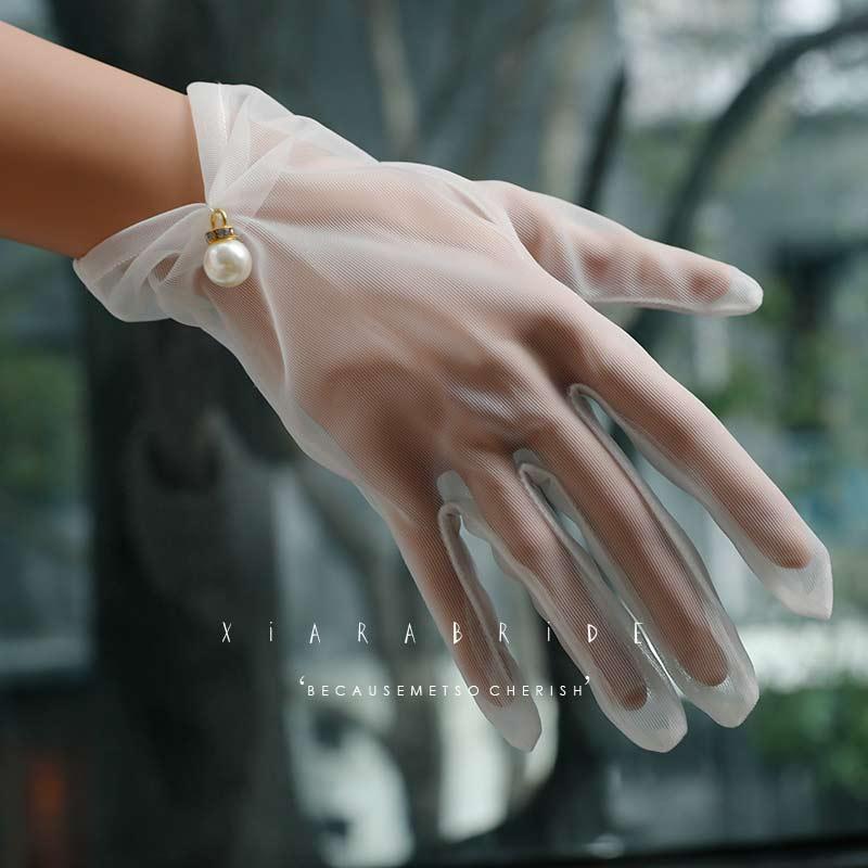 Korte bruid bruiloft handschoenen beige korte ontwerp kanten gaas transparante vrouwen handschoenen UV-bestendige zomer vrouwen visnet handschoenen