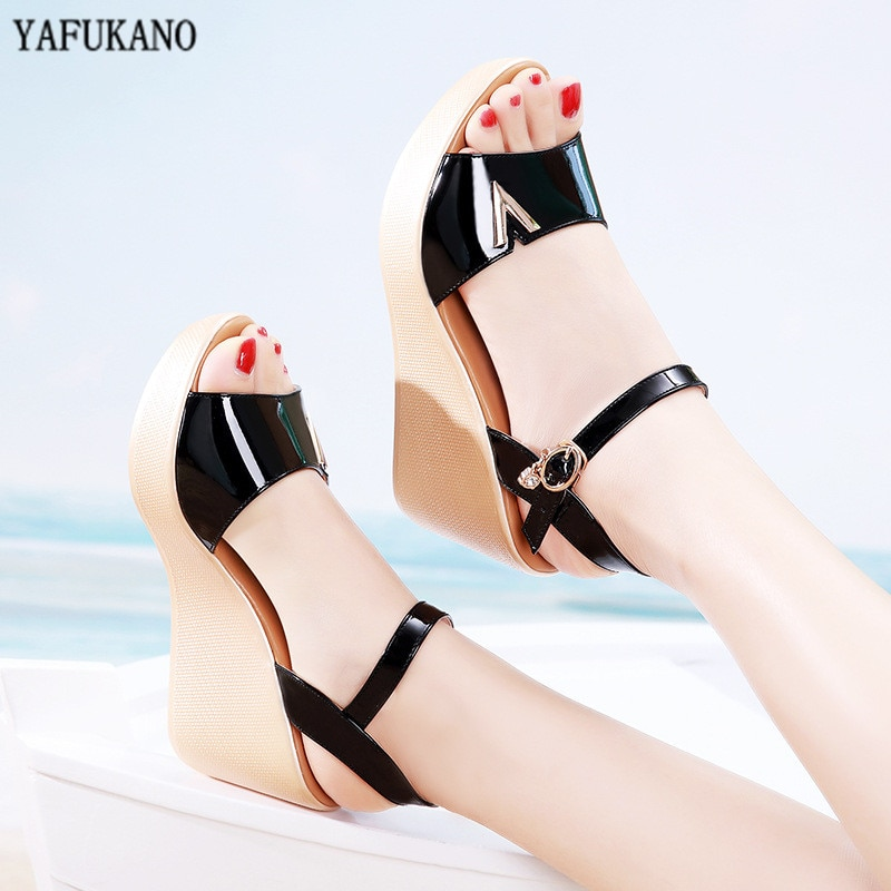 2020 sommer Keile Frauen Sandalen Peep Toe Plattform High Heels Mode Patent Leder Gladiator Sandalen Plus Größe 32 33 41 42 43