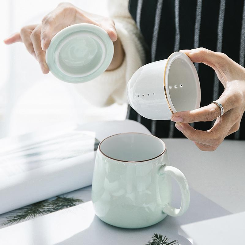 Taza de té de cerámica con separación de agua del té taza de té con tapa filtro de agua taza de agua de cuatro colores opcional práctico para el hogar Oficina Drinkware