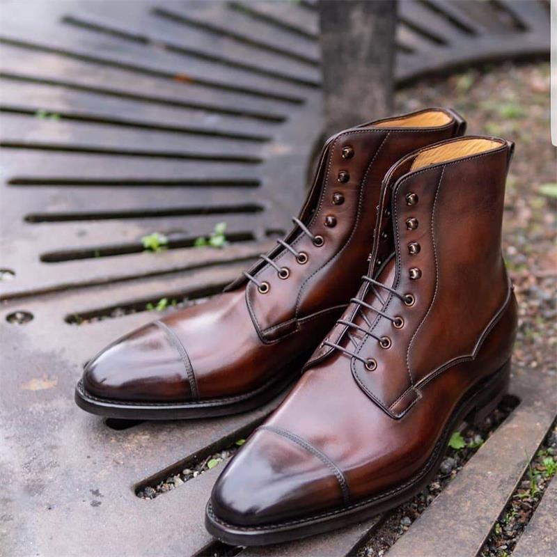 جديد حذاء رجالي اليدوية مشرق براون بولي Pointed وأشار كعب منخفض الدانتيل متابعة الأعمال الموضة فستان مزاجه عادية أكسفورد الأحذية KG539