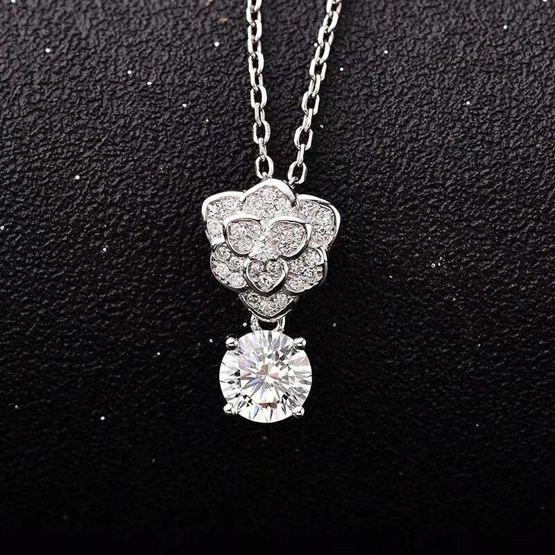 Joyería de plata 925, colgantes redondos de moissanita de plata de cuatro estilos, 1ct D VVS, collar de lujo de moissanita para mujeres