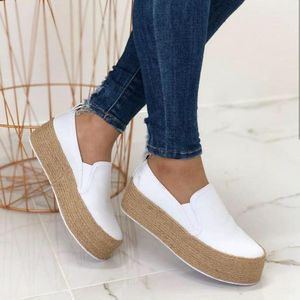 Vogue White Sneakers Shoes Women Spring Leather Thick Bottom Women Flats Round Toe Shallow Platform Casual Mujer Nice