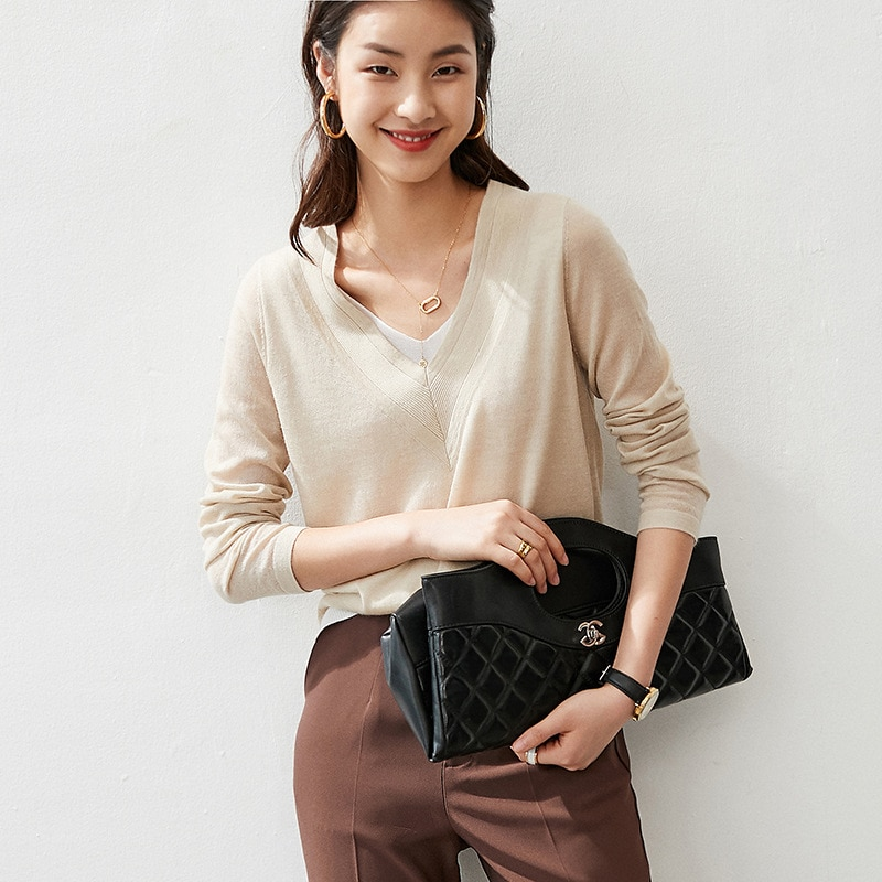 New Style for Autumn and Winter Cashmere Sweater V-neck Fake Two-Piece Women's Simple Sweaters Base Top Patchwork enlarge