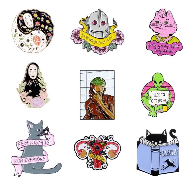 Qihe jóias dos desenhos animados personagem pinos gato alienígena robô útero esmalte broches emblemas acessórios requintados presentes para amigos