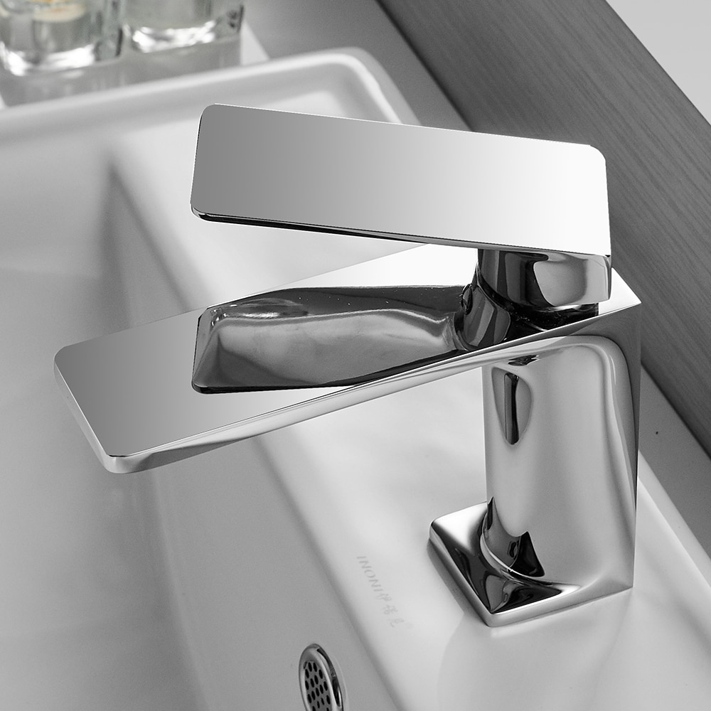 Grifo cromado Para Lavabo de baño, grifería montada en cubierta, mezclador de...