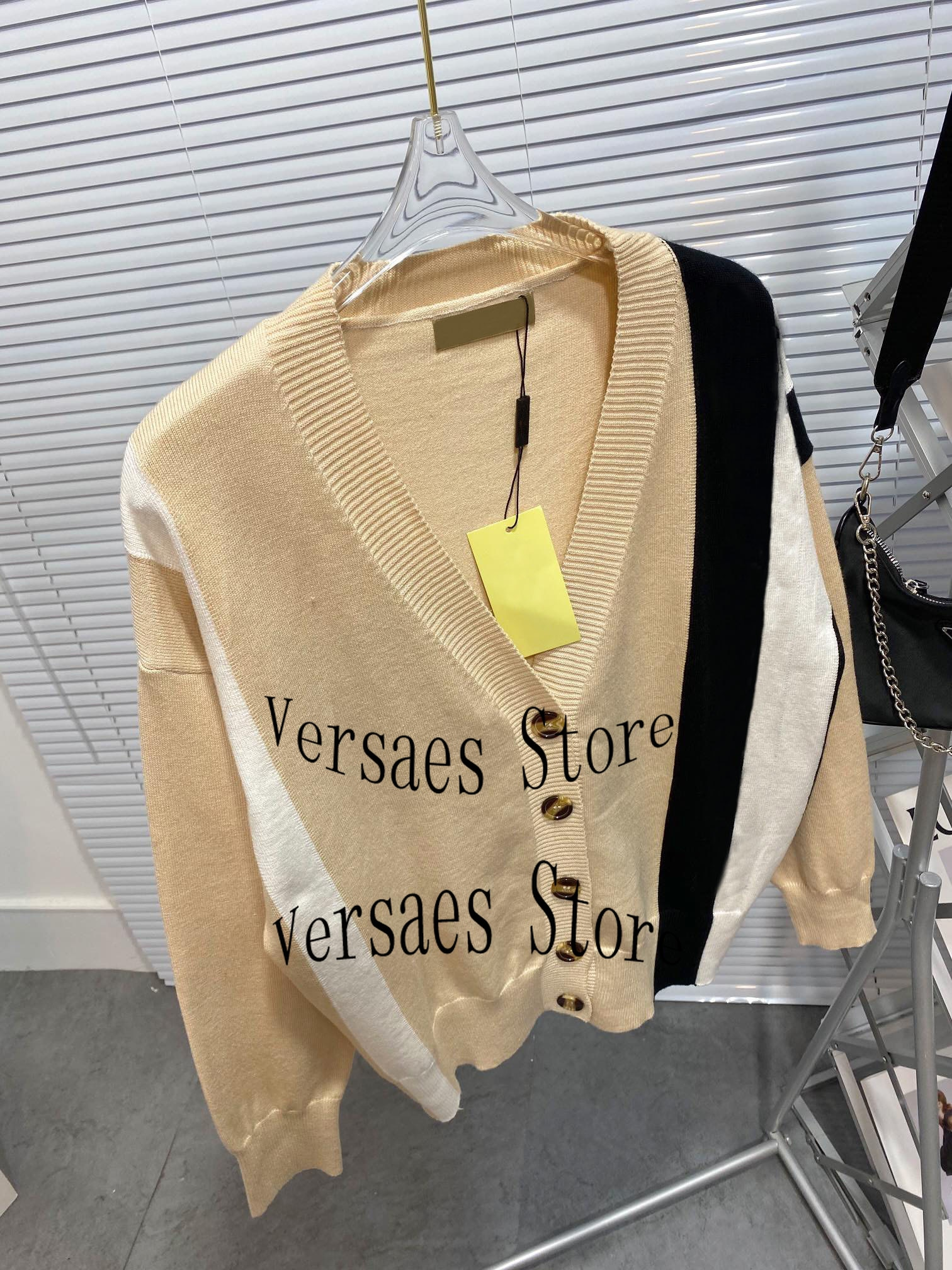 luxury design fashion contrast color stitching knitted cardigan temperament V-Neck long sleeve loose women's knitted cardigan enlarge