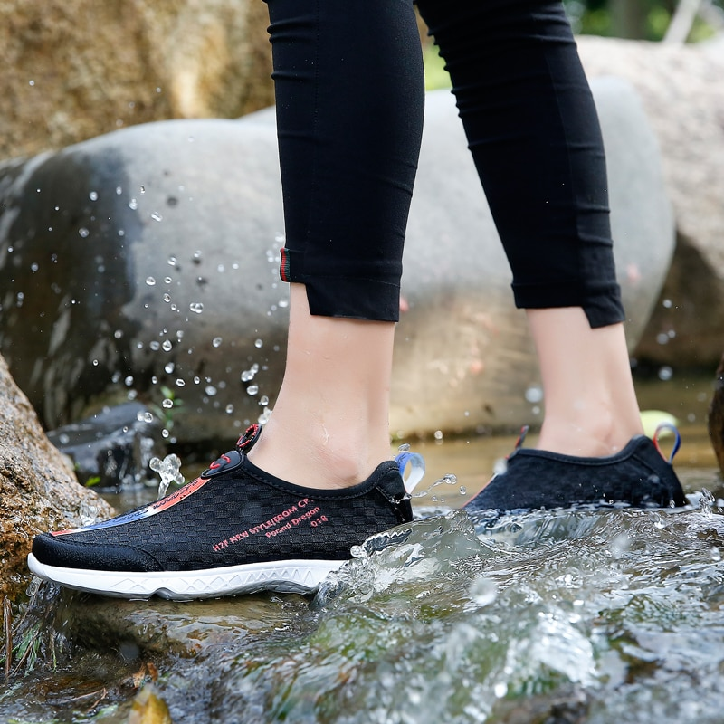 Swimming for Couple Sneakers Men Womens Walking Shoes Flat Water Shoes Non-Slip Black Outdoor Casual Footwear Size 35-45