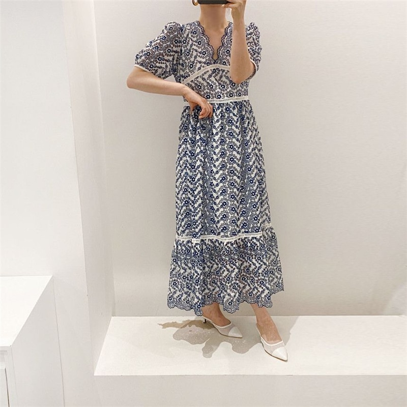 Chic Fashionable Solid White V-neck Hollow Out Lace Up Vintage Seaside Casual Loose Comfort Maxi Dress Vintage Vestido Hot Sales