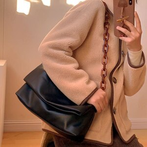 Thick Chain Soft Leather Underarm Bag Black Single Shoulder Tote Bag Acrylic Amber Shoulder Bag Ins Women Chain Bag