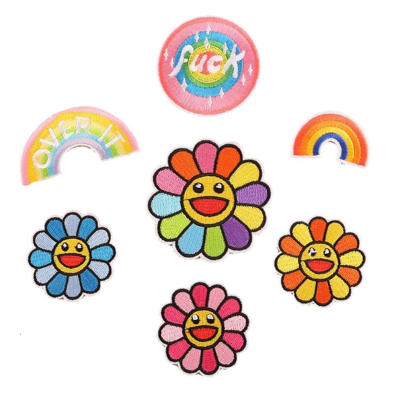 Dibujos Animados bordado girasol pegatina hierro en coser parche para ropa Jeans DIY abrigos de bolsos apliques flores hechas a mano insignias para camisas