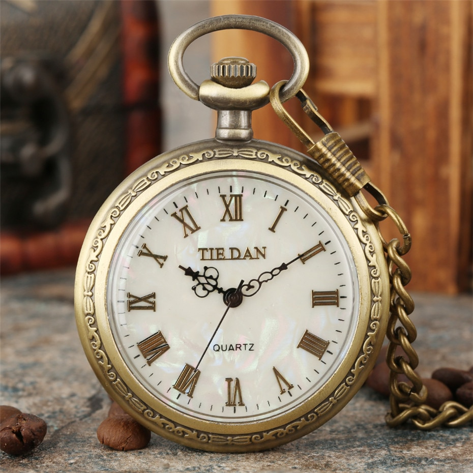 Bronze Retro Roman Numerals Display Quartz Pocket Watch Vintage Pendant Clock for Men Women Fob Sweater Chain /Hanging Chain