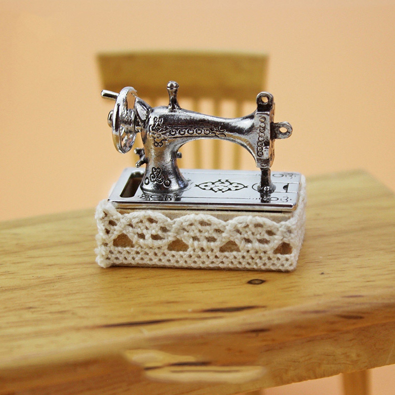 1/12, accesorios en miniatura para casa de muñecas, Mini máquina de coser, juego de simulación de muebles, modelo de juguetes para la decoración de casa de muñecas