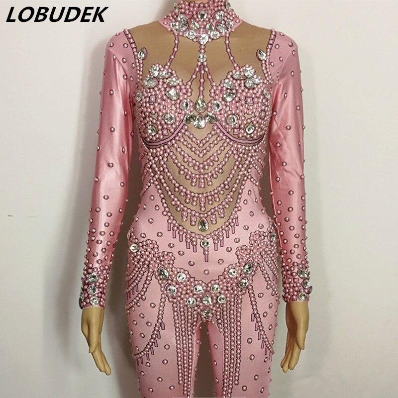 Комбинезон с розовыми жемчужинами и кристаллами, блестящий стеклянный бриллиантовый облегающий женский костюм для сцены певицы эластично...