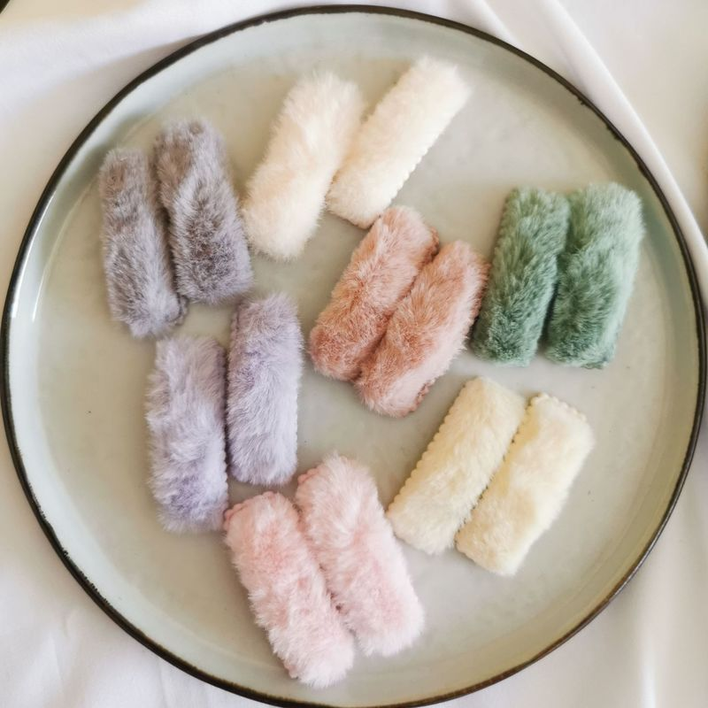 1 paire automne et hiver nouveau coloré en peluche petit carré BB Clip mode coréenne douce fille princesse épingles à cheveux chapeaux 5cm