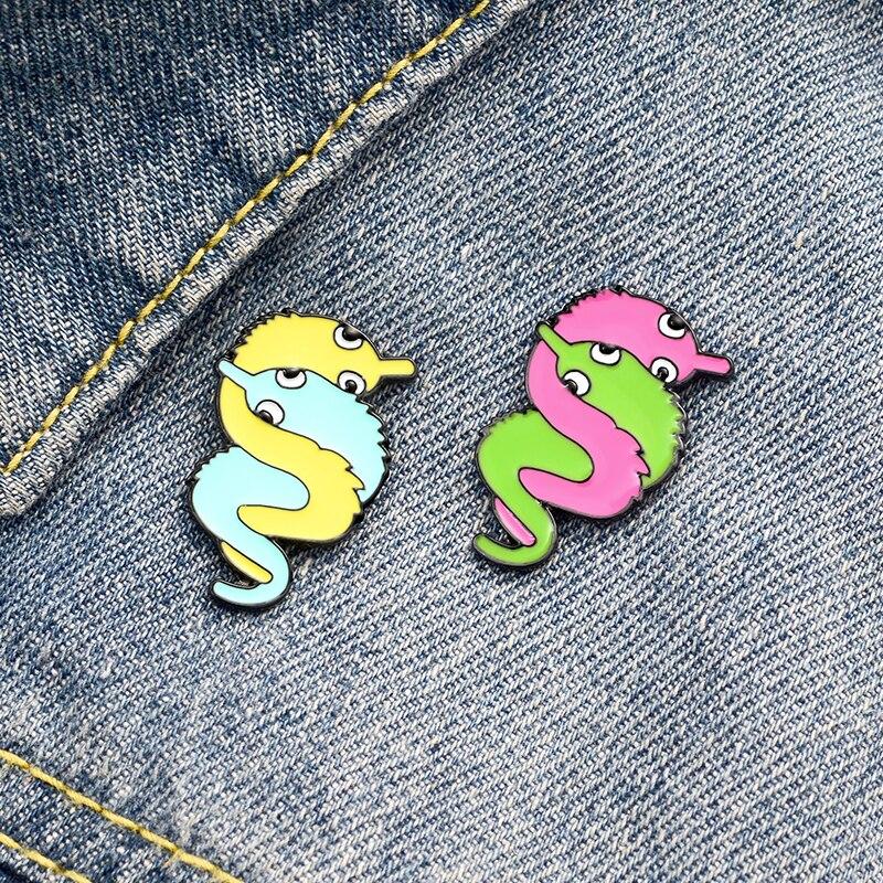 Broche contra insectos pequeño con diseño de dibujos animados, bonito broche único, insignia esmaltada, mochila, solapa, pin, joyería para sombrero, regalo para amigos