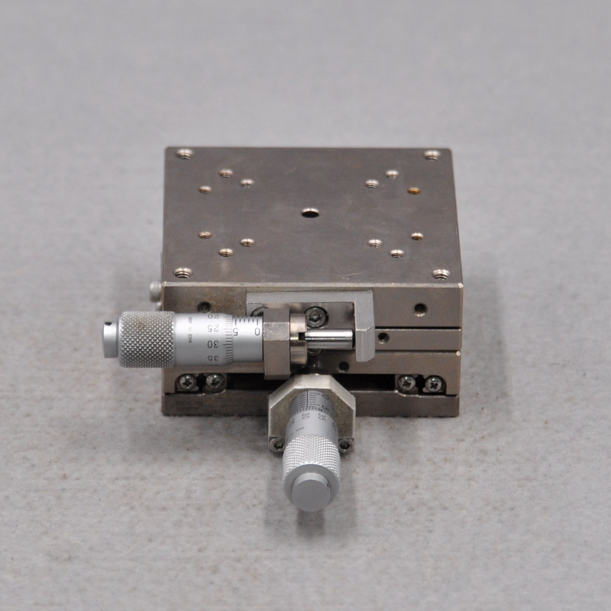 BSS16-70CR BSS16-70A SURUGA SEIKI optical manual XY axis precision cross roller guide rail displacement slide enlarge