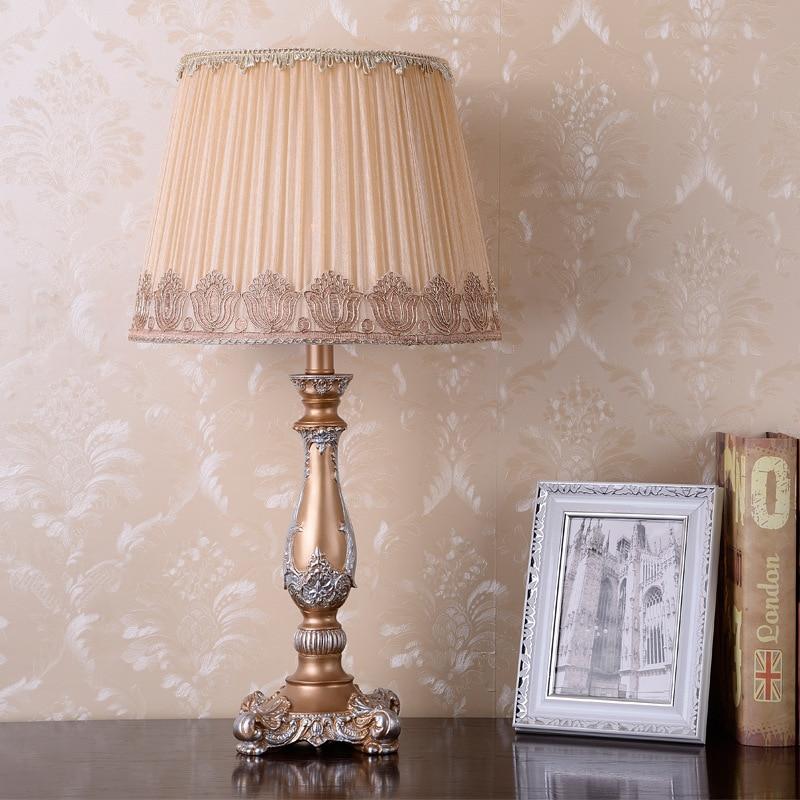 الأمريكية الجدول مصباح الإبداعية الدافئة ضوء غرفة المعيشة النمط الأوروبي غرفة نوم أباجورة مصباح بسيط الحديثة السرير مكافحة