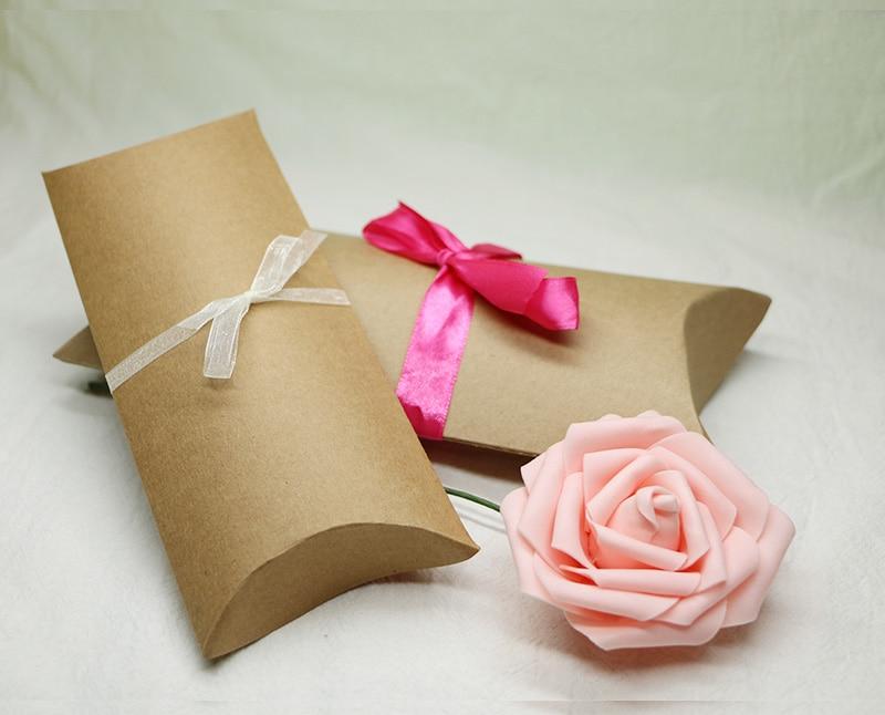 50pcs Kraft Paper Pillow Box Kraft paper packing gift candy box,Wedding favour ,kraft pillow gift packaging boxes