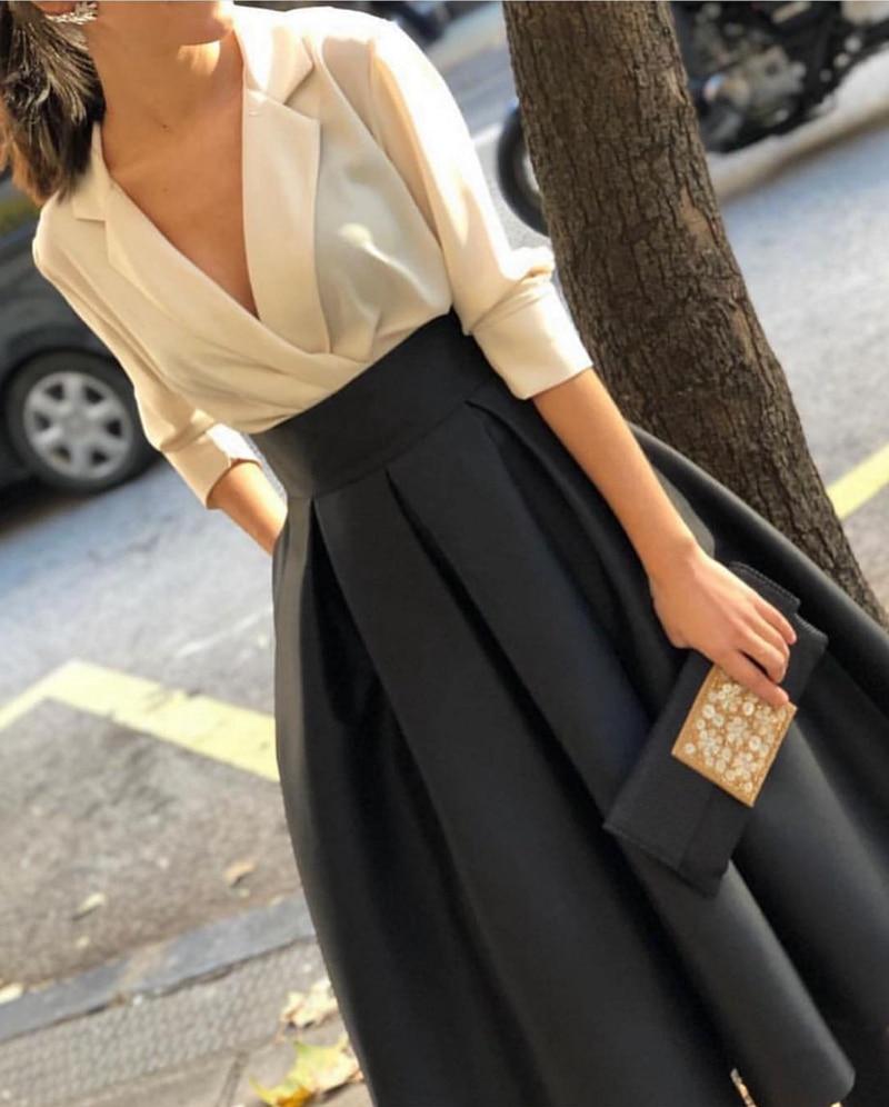 فستان سهرة قصير باللونين الأسود والأبيض, فستان سهرة قصير بتصميم بسيط من موضة 2020 بفتحة رقبة على شكل حرف V باللون الأبيض والأسود ، بتصميم رخيص