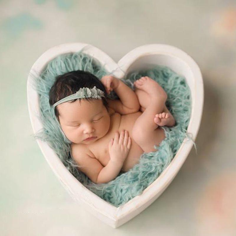 Baby Photography Props Wooden Heart Shape Box Newborn Infants Photo Posing Prop enlarge