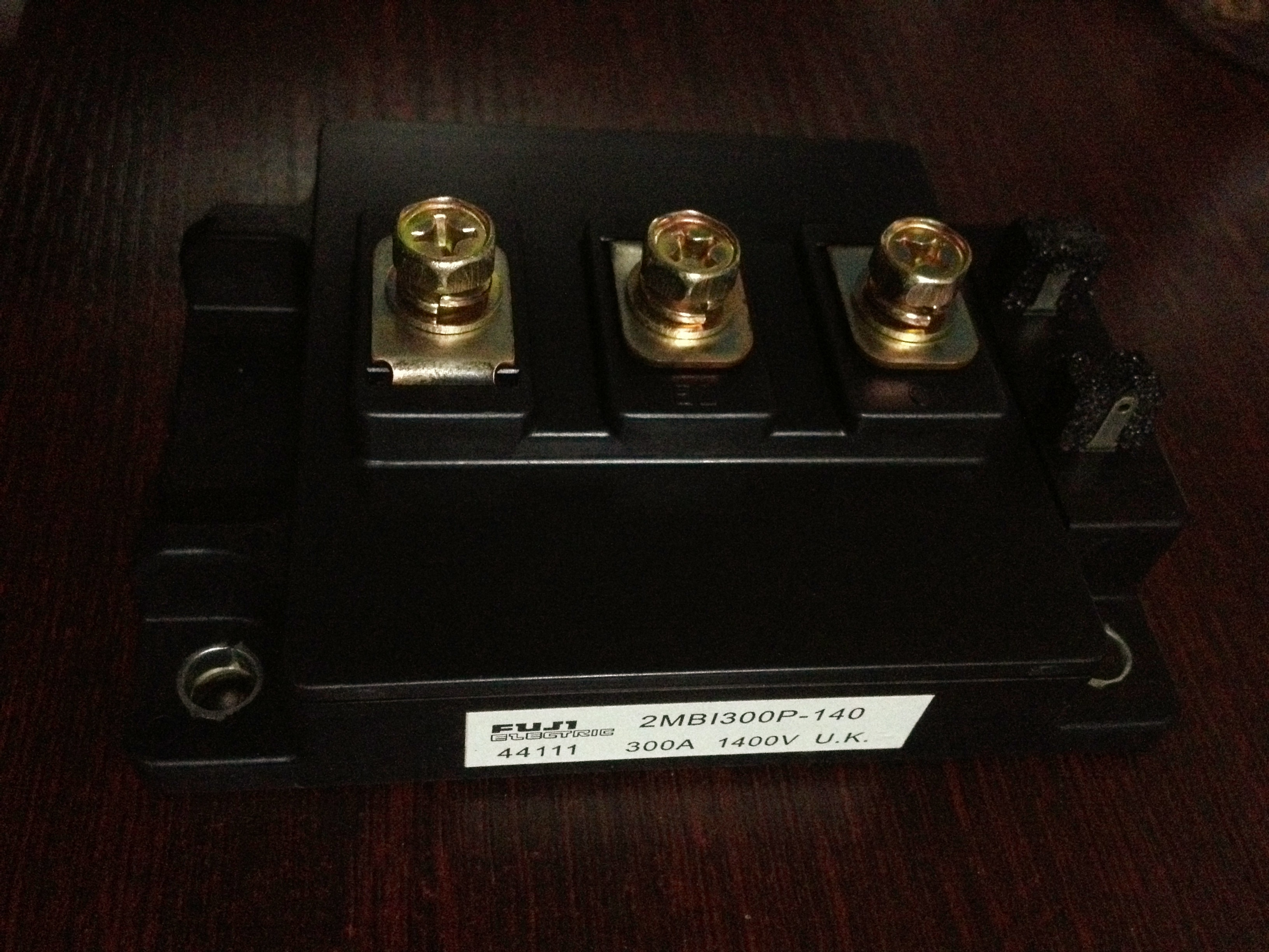 Envío Gratis nuevo 2MBI300P-140 módulo