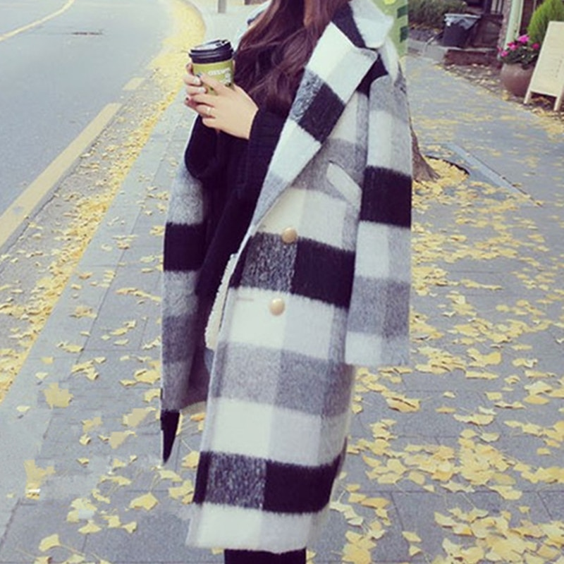 Женское шерстяное пальто в черно белую клетку классическое длинное нового