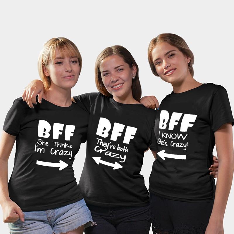 Camisetas a juego BFF, ella cree que estoy loco, ambas están locas, sé que ella está loca, mejores amigas, camisetas, mejores camisetas