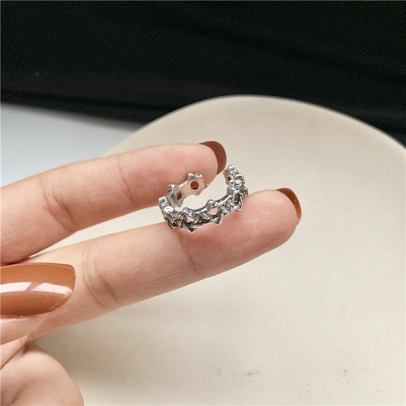 Moda 2020 versión coreana del anillo temperamento tejido oscuro apertura anillo viejo estrella de seis puntas hueco elegante anillo al por mayor