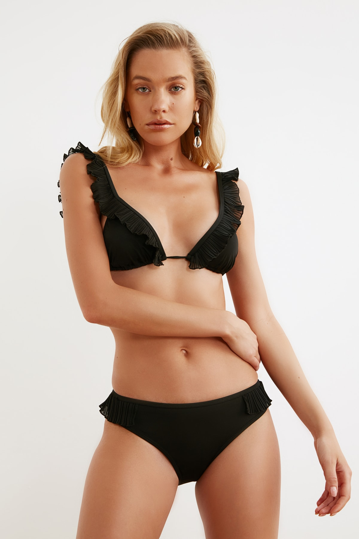 Trendyol Collar Detailed Bikini Bottom TBESS21BA0123