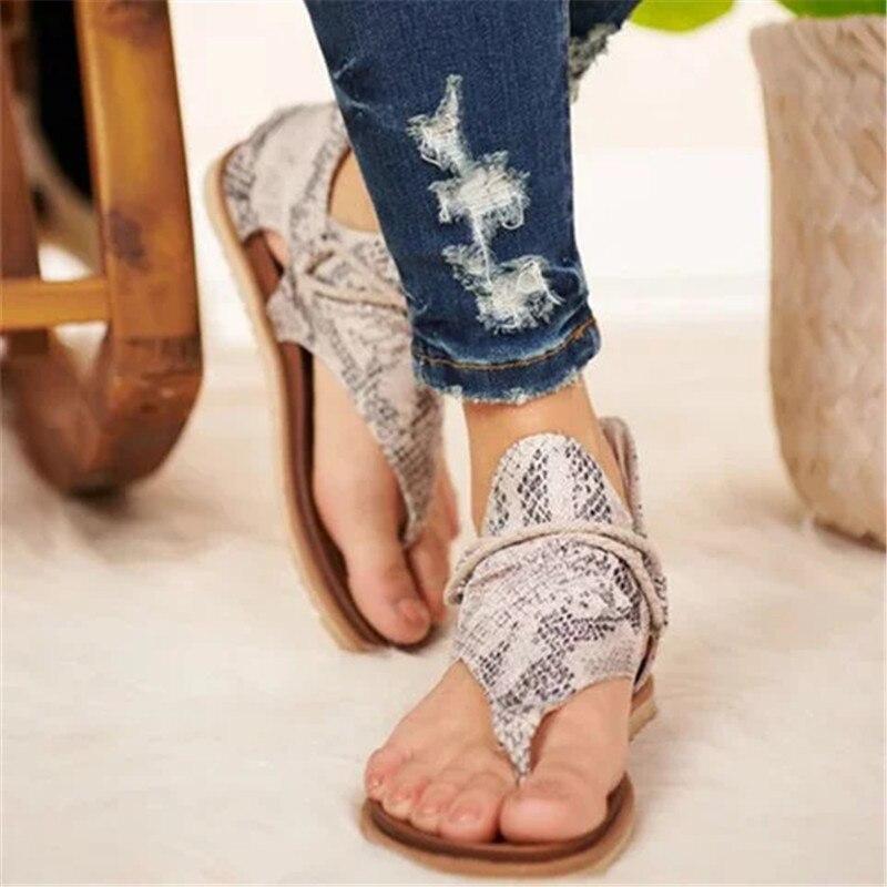 Nouveau femmes sandales 2020 Boho Style imprimé léopard dames chaussures plates grande taille livraison directe femme sandales de plage décontractées