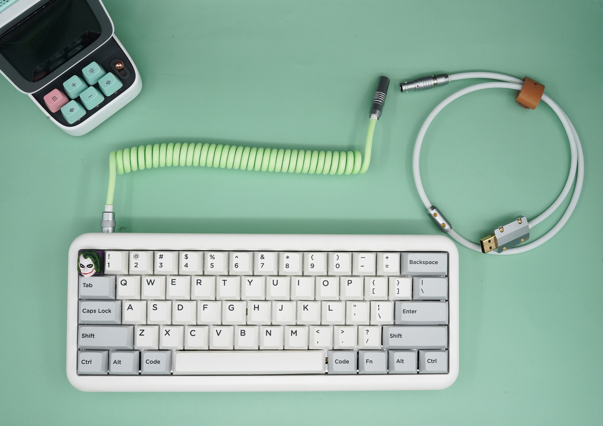 Geekكابل أخضر أبيض للوحة المفاتيح الميكانيكية يدوية الصنع مخصصة بيانات لوحة المفاتيح دوامة خط الطيران الخلفي المكونات ماتشا
