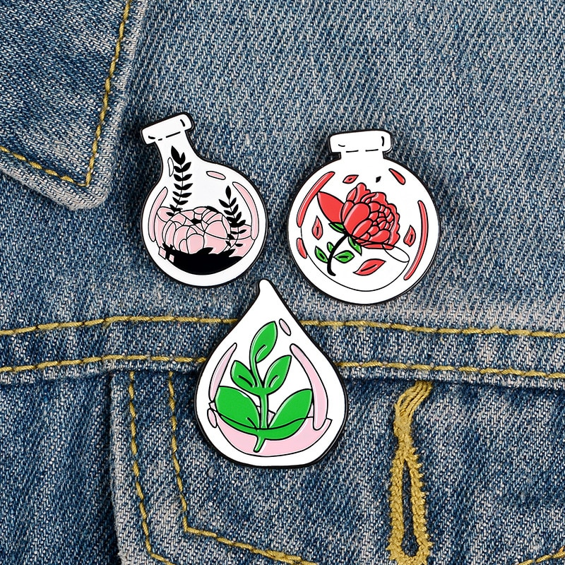 Desenhos animados emblema garrafa de vidro flores broches grama para mulher criativo novo significado da vida esmalte pinos jóias b acessórios