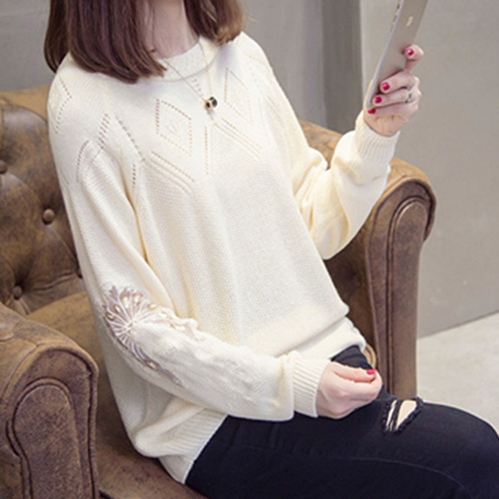 Korean Version 2021 New Hollow Lace Long-sleeved Sweater Early Spring Womens Loose Slimming Shirt Thin Round Neck Sweaters