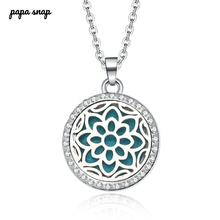 New Aromatherapy necklace Beauty flowers locket Essential Oils Aroma Diffuser rhinestones locket Per